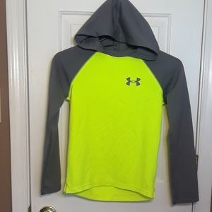 NWOT YM BOYS UNDER ARMOUR HOODIE